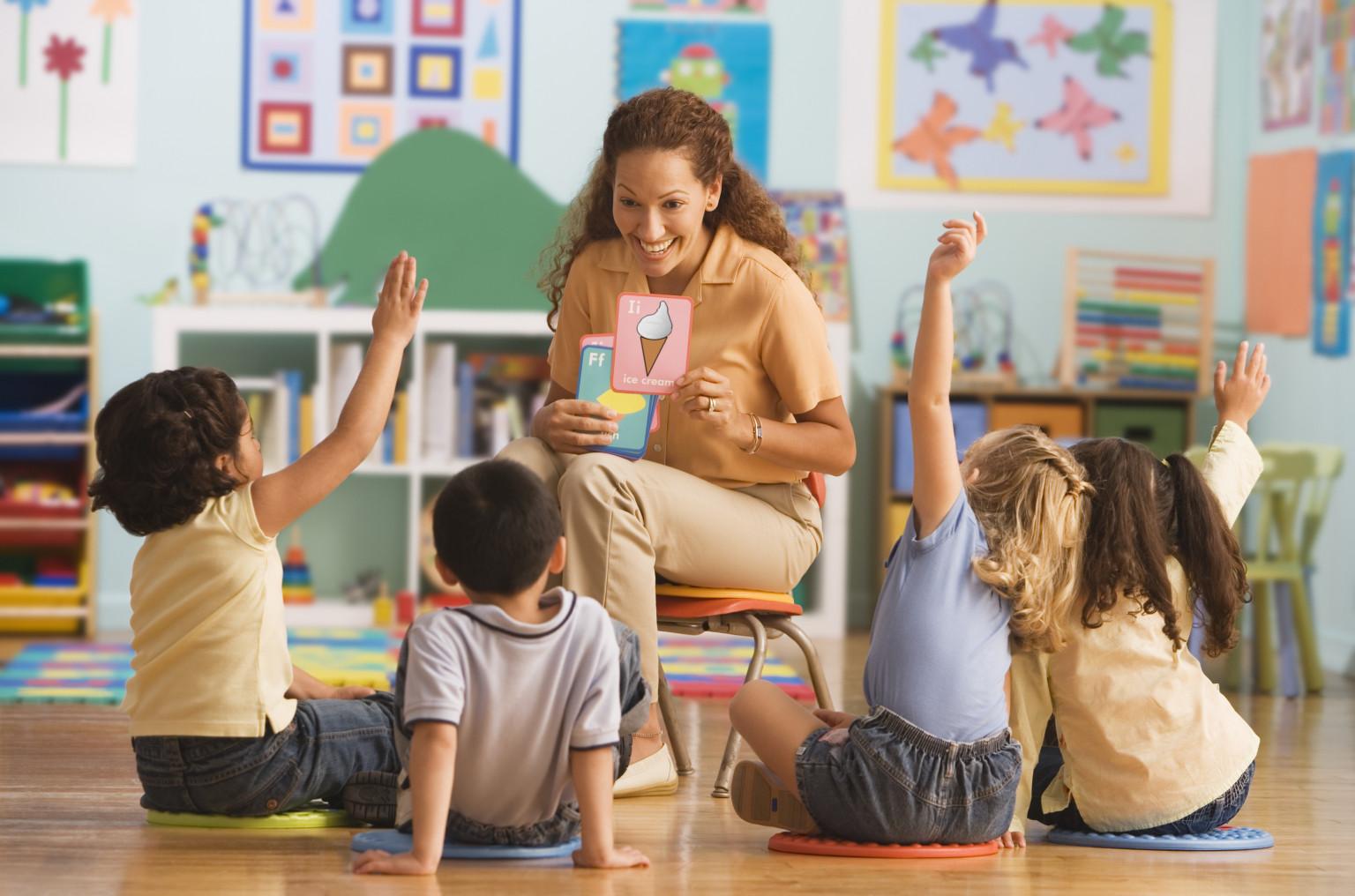Como a educação bilíngue também ensina cultura às crianças?